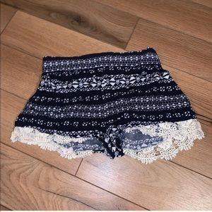 Tribal pattern shorts with lace